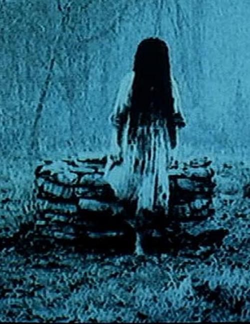 The Ring (2002) - The girl in the well - - Famous scenes from horror movies through the years