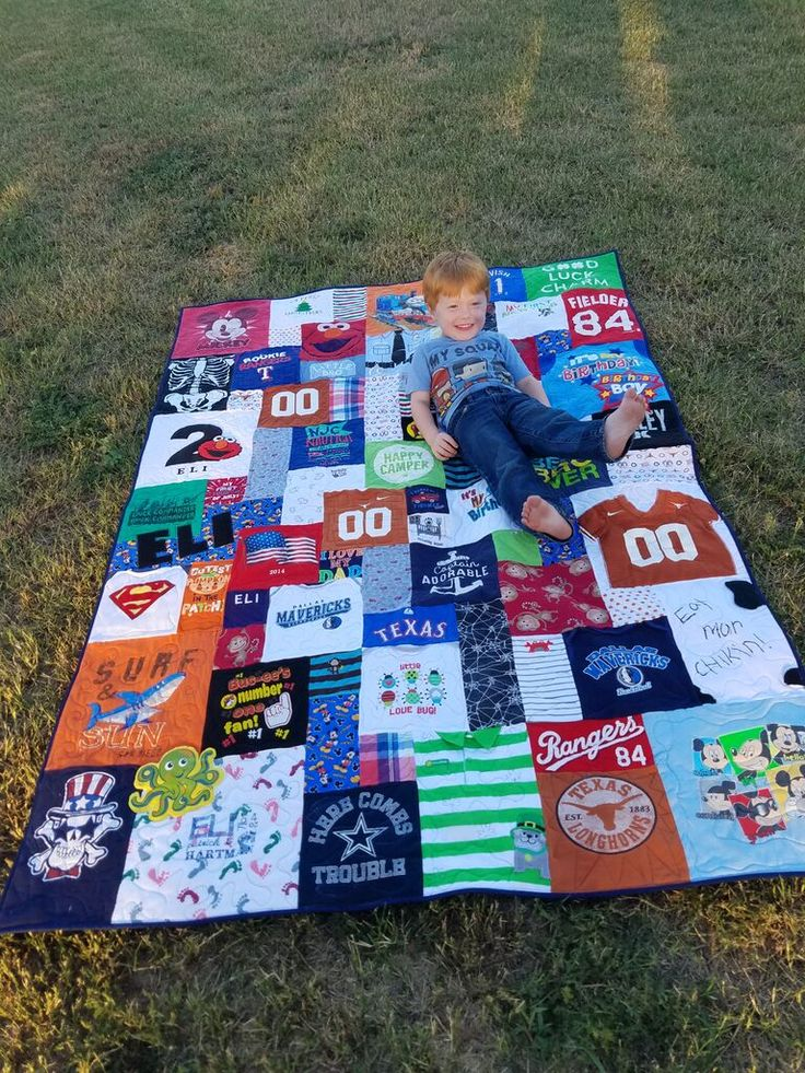 Loving his new quilt