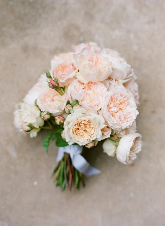 Peach David Austin Bouquet / Laura & Josh's Classic Cottage Wedding on The LANE / Photography by Jemma Keech