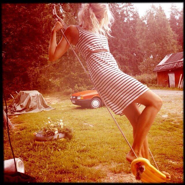 Summer swing. Keinu. Kesä. Me :)