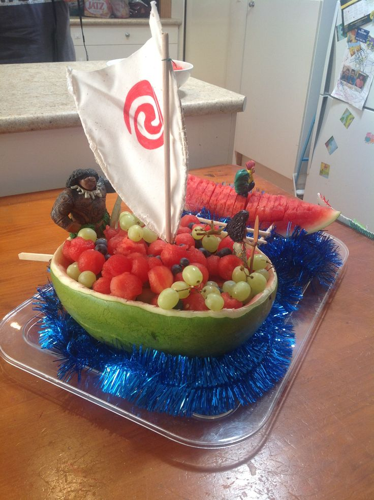 how to make a watermelon fruit boat