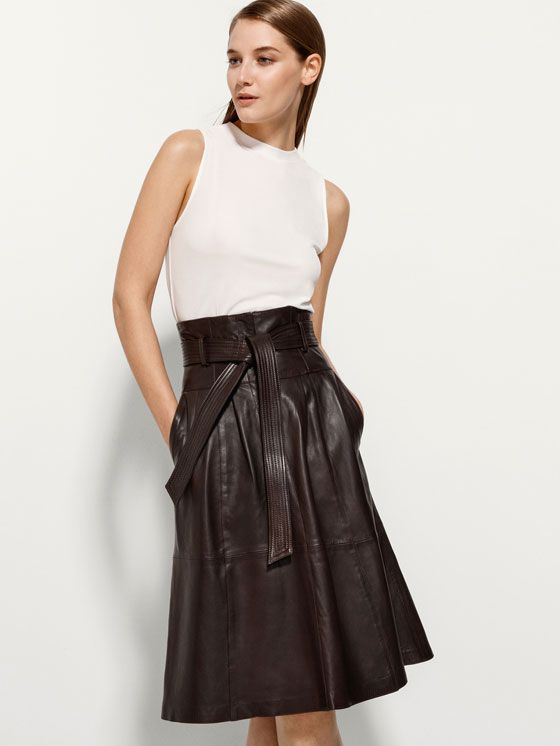 MID LENGTH LEATHER SKIRT