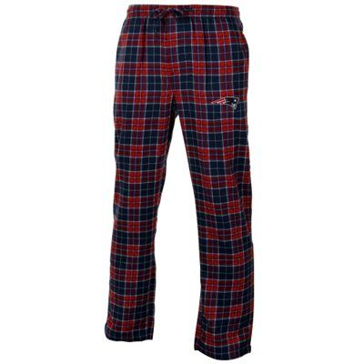 Everyone needs a pair of flannel pants to lounge around in. Keep cozy in these navy blue and red Patriots pants.