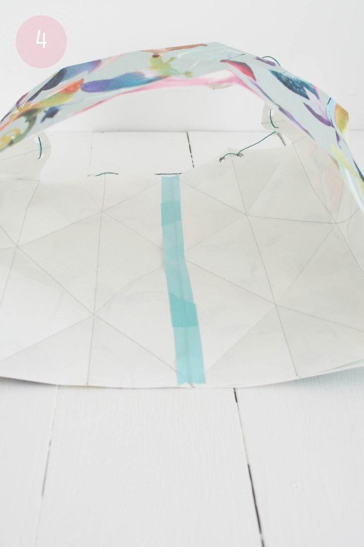 lampe papier origami et processus de mise à plat en gros plan