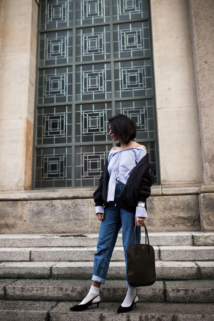 Kickoff Berlin Fashion Week - ich zeige euch meinen ersten Berlin Fashion Week Look mit Ganni Slingbacks, Theory Bluse, Nina Ricci Tasche und Vintage Jeans.
