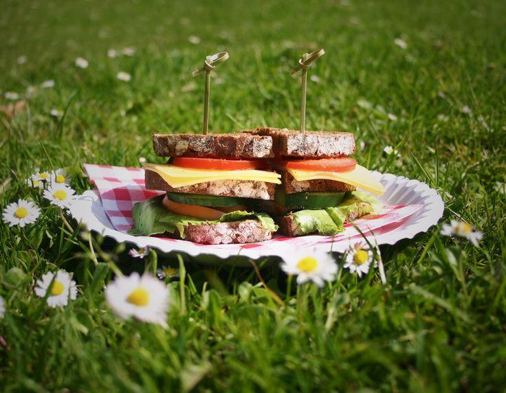 The Mighty Heinz Club Sandwich! #picnic