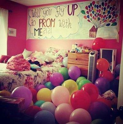 This is cute!!! Perfect way to ask someone to prom!!!