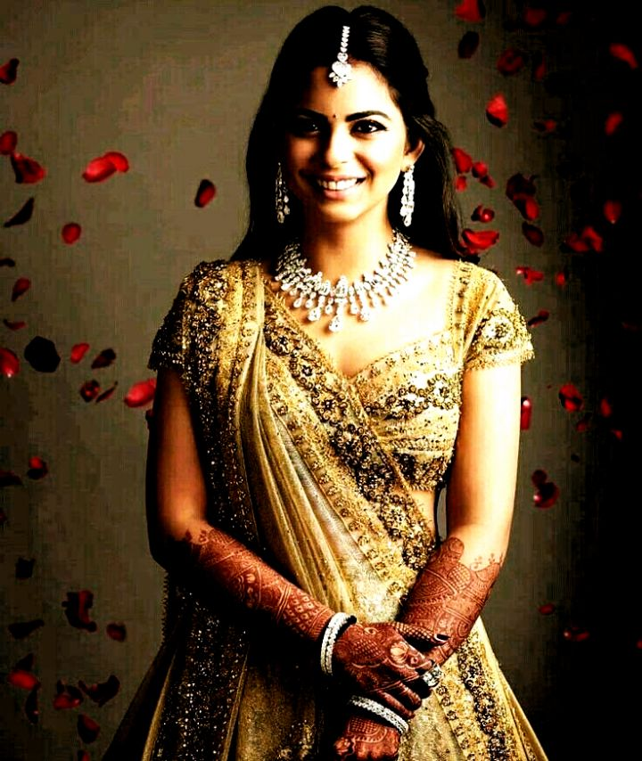 hairstyles for indian wedding in 2020   Indian reception ...