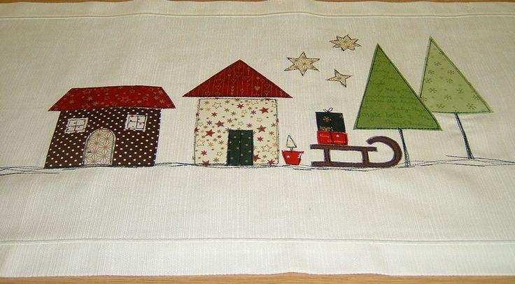 Weihnachtsdeko - Tischläufer  Weihnachten Advent  Häuser  Baumwolle - ein Designerstück von mamdisign bei DaWanda