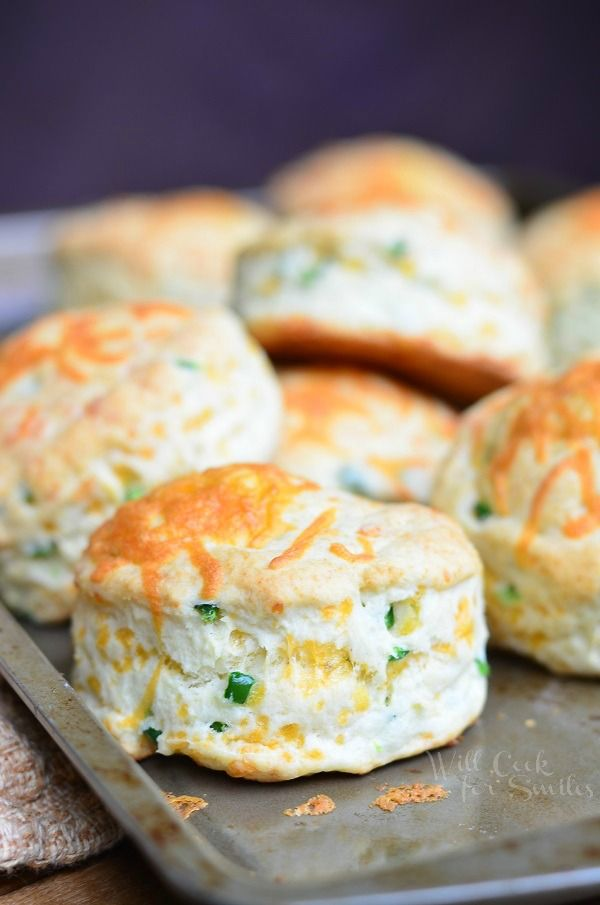 Jalapeño Cheddar Buttermilk Biscuits | from willcookforsmiles.com #sidedish #bread #holiday