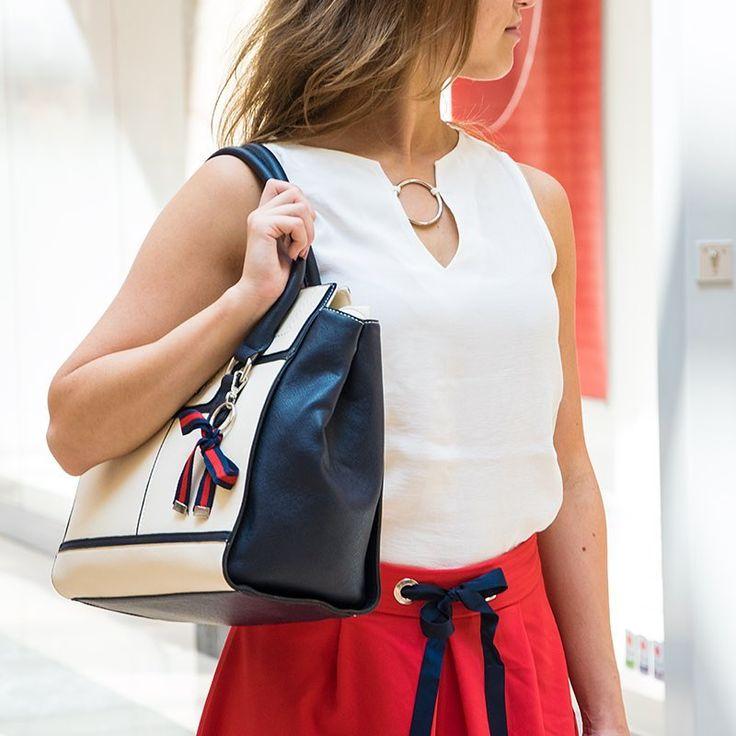 Ha Piroska ilyen szettben érkezett volna a farkashoz, akkor biztosan máshogy alakult volna a mese... 😉❤️ #arenaplazabp #orsay #skirt #bag #style #stílus #fashion #divat #mik #instahun #ikozosseg #summer #inspiration #styleinspiration #2017trend #shopping