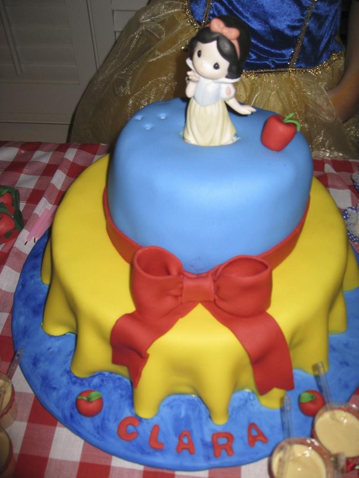 SNOW WHITE BIRTHDAY CAKE!!