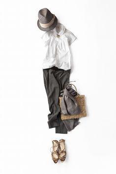 コーディネート詳細(白シャツ×グレーパンツ、今年の着こなし)| Kyoko Kikuchi's Closet|菊池京子のクローゼット
