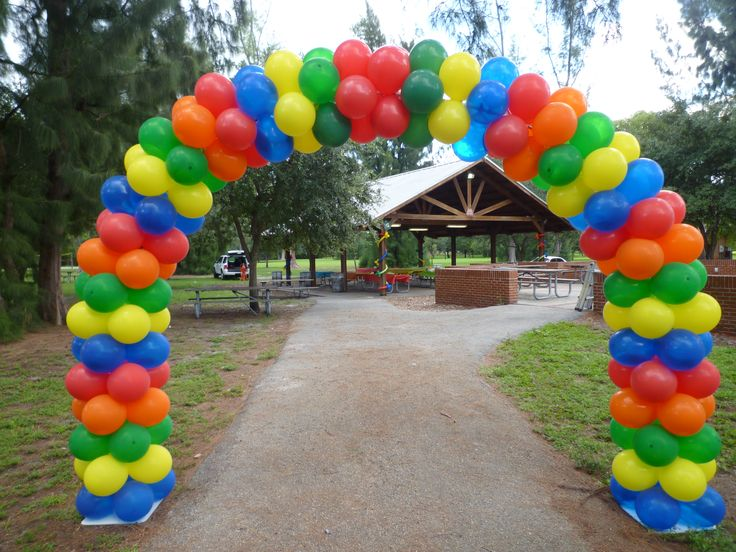 Park entrance balloon arch party decoration outdoor for Balloon decoration companies