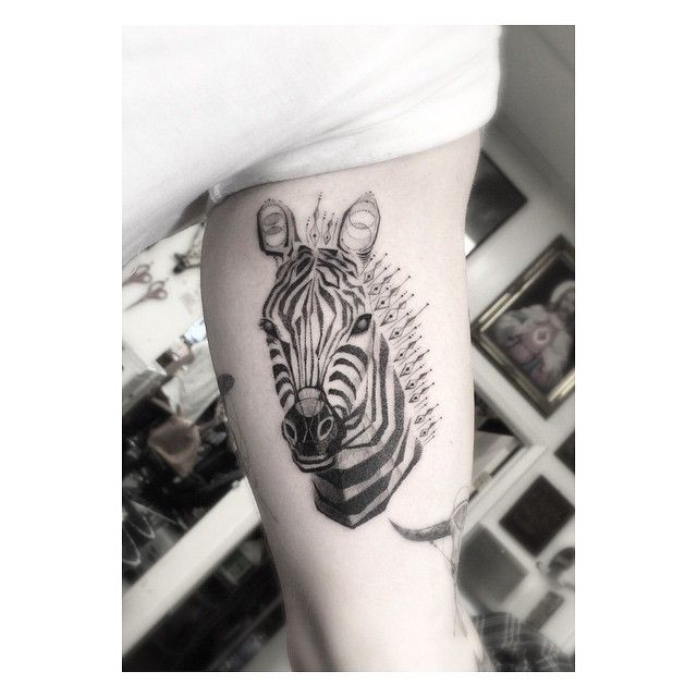 Zebra styles the homie Nick                                                                                                                                                                                 Mais