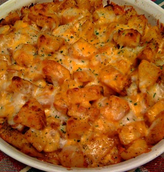 Man food! Cheesy Taco Taters. Ingredients: 5-6 baking potatoes, peeled and cut in medium size chunks 1/3 cup oil (olive or vegetable) 1 pkg. taco mix sprinkle of seasoned salt sprinkle of black pepper 2 cups Monterey Jack and Cheddar blend cheese, shredded Directions: