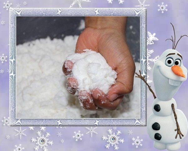 Fabriquer de la neige 500g de bicarbonnate de Sodium Une bombe de la mousse à raser Un peu de la fécule de mais (Maizéna).