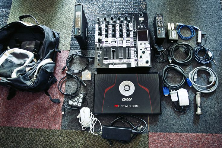This is my absolute minimum VJ & Lighting set up I have to take to every gig.   It all fits tightly into a backpack.