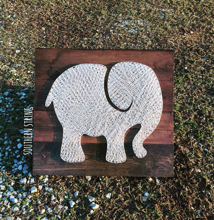 Another elephant string art! See more or send me a message for a board of your own on IG at @southern.string!