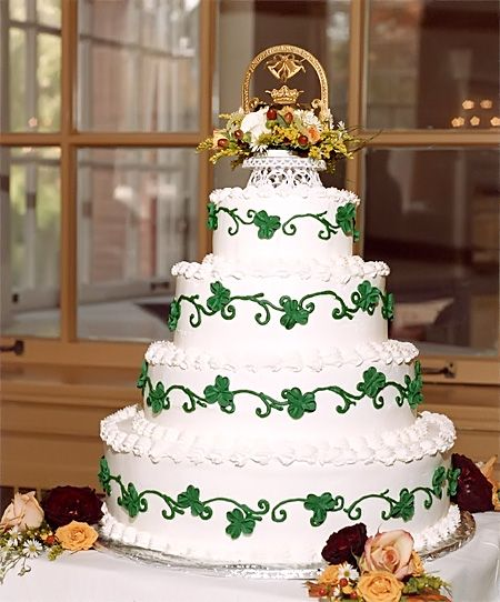 Irish wedding cake. I think this would be nice in a smaller size for an Anniversary or even that special St. Patrick Birthday Baby.
