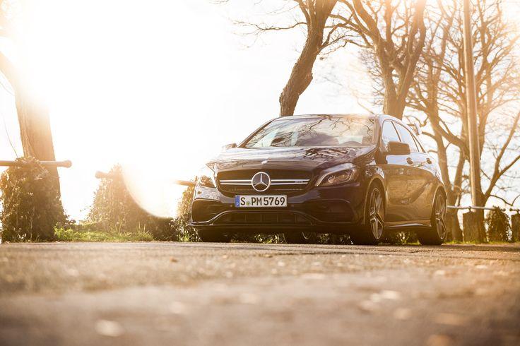 Morgenerne er altid en smule lysere, når man sidder bag rattet i en Mercedes-AMG A 45 4MATIC. Se mere her om, hvorfor A 45 er den perfekte måde at starte dagen på:    #MBPhotoCredit: Johannes Gloeggler
