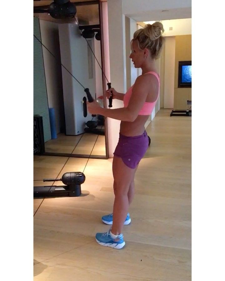 We Are Completely Mesmerized by Britney Spears' Incredible Abs in Latest Instagram Video