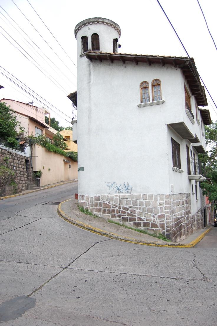 La Leona, Tegucigalpa - Honduras  Remember driving down this many times.