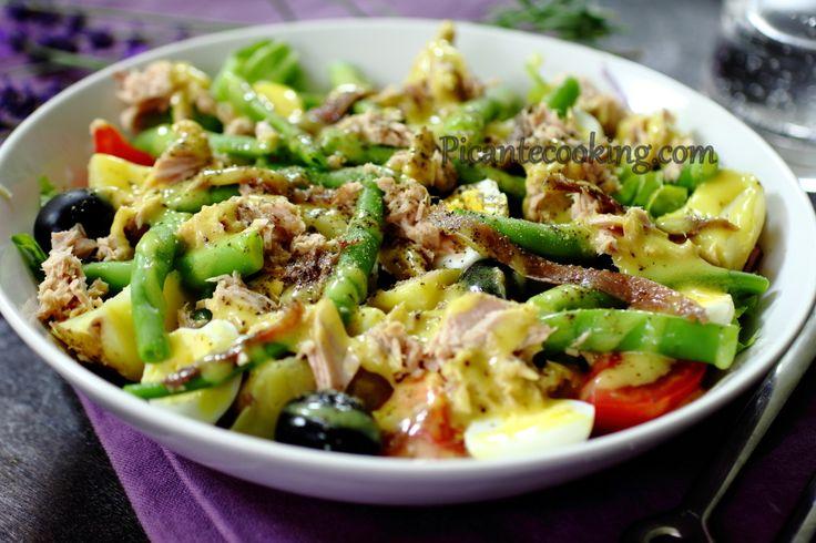 Всесвітньо відомий прованський салат родом з Ніцци, тому салат Нісуаз, такий, яким найбільше люблю його я.