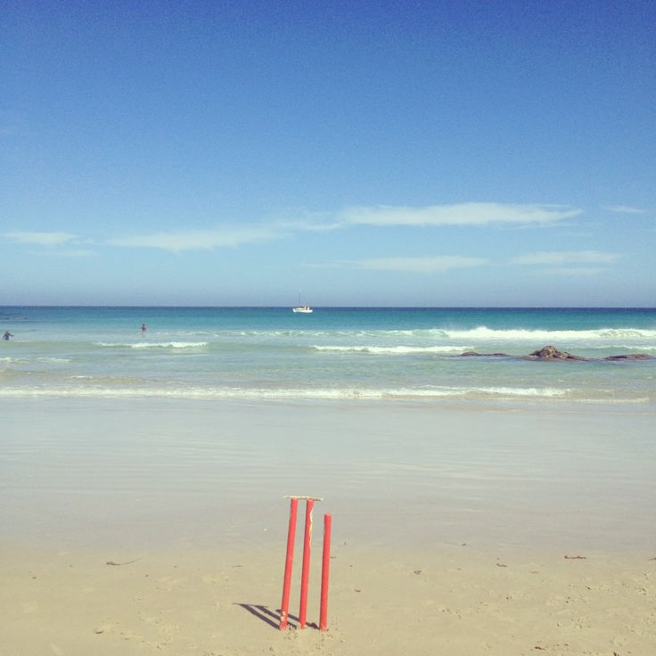 Summer time beach cricket, surf, aqua water, sunshine and fun!  East Coast Tasmania, Bay of Fires http://www.beaumarisbeachpad.com.au/