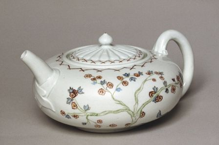 Teapot by the Vezzi Porcelain Factory Venice Italy 1720s