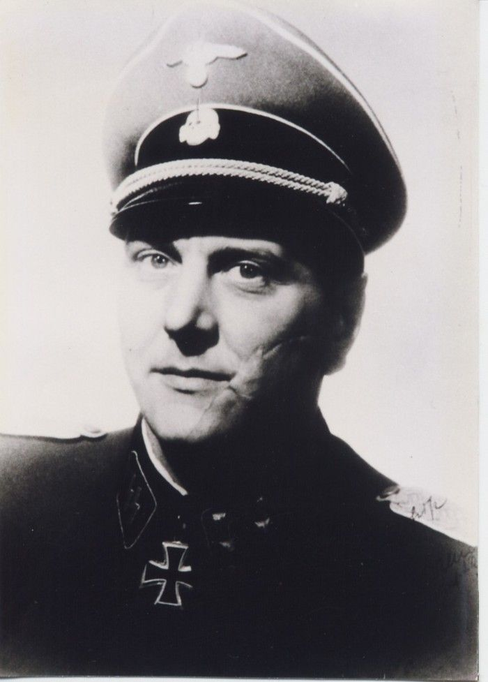 ✠ Otto Skorzeny (12 June 1908 – 5 July 1975) RK 13.09.1943 SS-Hauptsturmführer d.R. Kdr SS-Sonderverband z.b.V. Friedenthal 09.04.1945 [826. EL] SS-Obersturmbannführer d.R. Kampfkdt. Schwedt (Oder) u. Kdr der SS-Jagdverbände