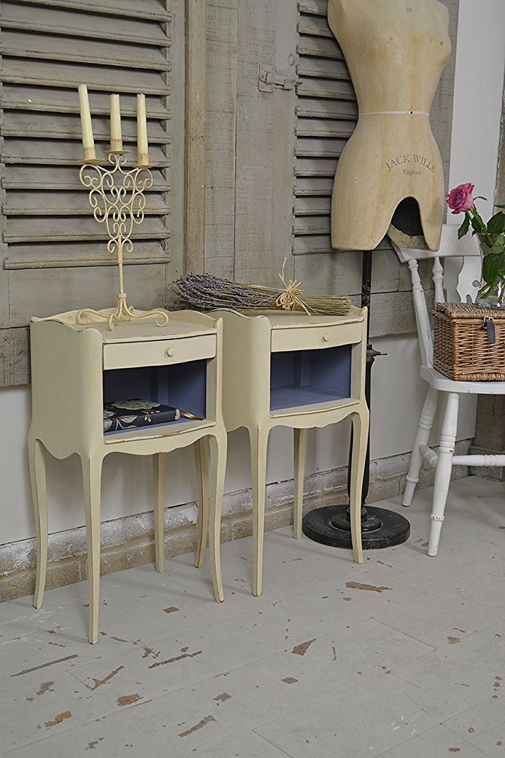 These French bedside tables have stunning leg detail with single drawers and cupboard space. Painted in Annabell Duke Vintage Lace with Dulux Niagara Blue inside - why not add some charming French elegance to your bedroom! https://www.thetreasuretrove.co.uk/bedroom-storage/pair-of-french-shabby-chic-bedside-tables-1 #frenchfurniture #frenchshabbychic #paintedfurniture