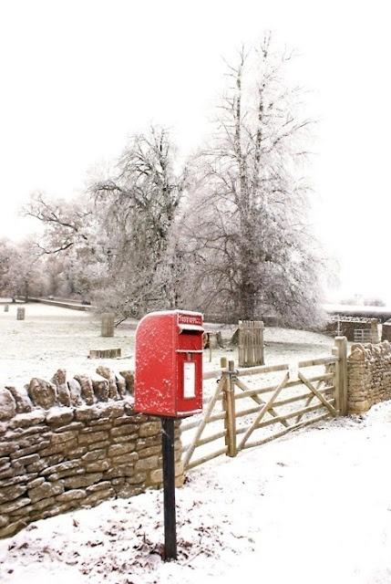 English Post/Letter Box Boîte aux lettres du père noël