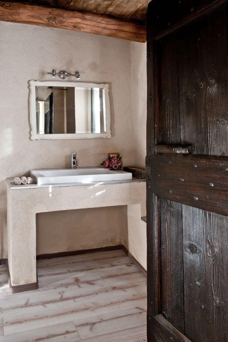 Fabio Carria architect   http://cascinadeltemposospeso.com