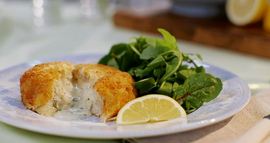 Mary Berry served up very fancy fish cakes with smoked haddock and a runny sauce filling in the middle on Mary Berry Everyday.      The recipe is available in Mary's book titled: Mary Berry Everyday - available at Amazon now.  Related PostsRosy fruit compote with yoghurt and honey recipe on Mary Berry EverydayMary Berry mushroom Scotch eggs recipe on Mary Berry's Absolute FavouritesMary Berry  fisherman supper recipe on Mary Berry's Absolute FavouritesHelen's  Malaysian Coconut pandan cu...