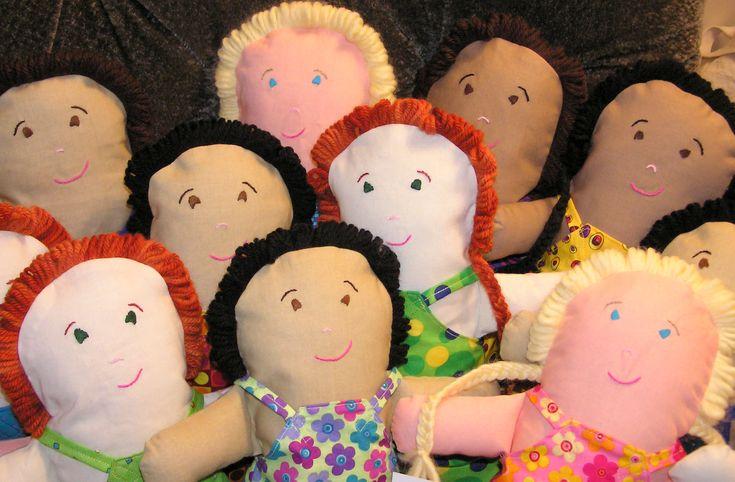 Popje knutselen, naaien, haken of breien voor je kleine nichtje, buurmeisje of zusje. Wil je direct aan de slag met het maken van een leuk popje, dankan