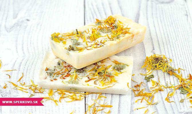 Návod na bylinkové mydlo s nechtíkom. Ak ste sa tento rok rozhodli pre svojich blízskych pripraviť handmade vianoce, prinášame vám ďalší tip na skvelý...