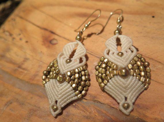 wedding. white earrings micro macrame earrings por AdiVardiJewelry