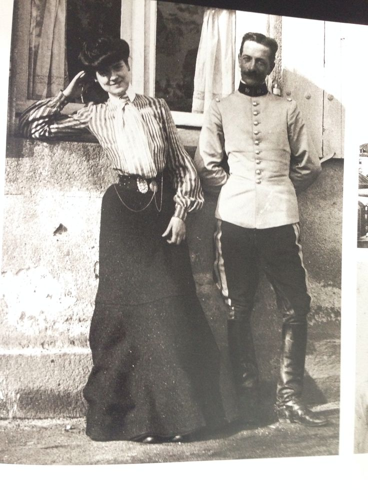 1903 coco in moulins 1903 with one of her many for Balsan france