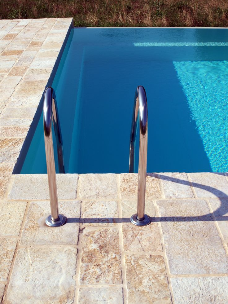 #quarzo #floor #pool #natural #garden #stone #pebbles #flooring #italian #madeinitaly #palosco #bergamo #artigianato #handicraft #landscape #exteriordesign #urbandesign #architecture