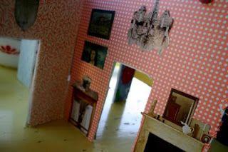 Little Green Notebook: DIY Dollhouse