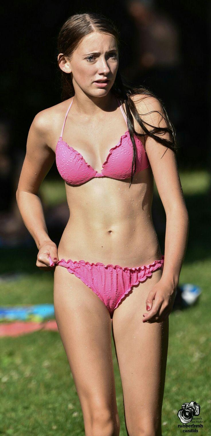 amateur tween bikini girl