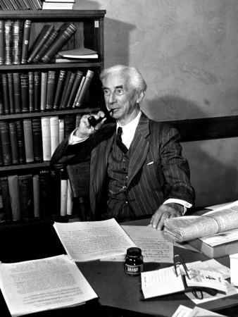 Philosophers at their desks: Bertrand Russell Sitting at His Desk at California University at Los Angeles (Lámina fotográfica)