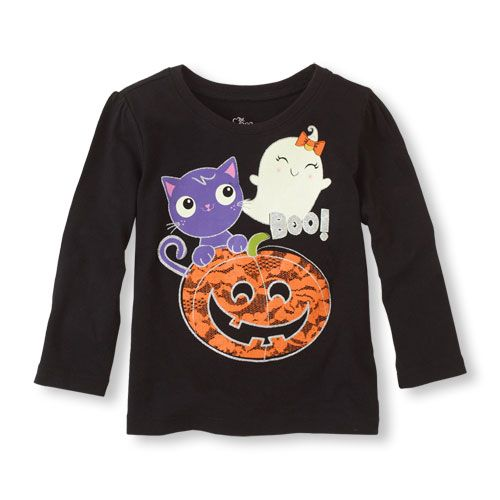 A haunting she will go in this super cute tee!
