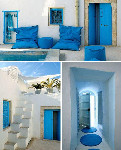 Djerba kocha niebieski kolor :)  Na www.tunezja.com.pl znajdziesz aktualne oferty wyjazdów, a także zarezerwujesz hotel, willę lub bilety lotnicze.
