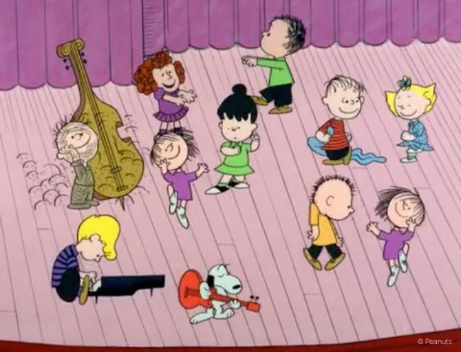 Peanuts Gang & Snoopy Dancing!!