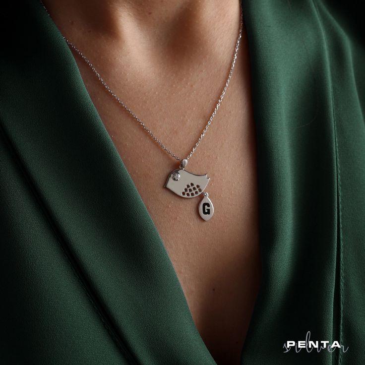 Harfli Kuş Kolye  ■Fiyat: 69 TL ➡Kod 2108100 ➡Ürünlerimiz 925 ayar gümüştür ➡Ücretsiz kargo ➡Kapıda ödeme imkanı, havale, eft ➡WhatsApp sipariş 05321581024 ................................................. #gumus #kolye #kupe #gumuskolye #kisiyeozel #harfkolye #anahtarlık #gumus #gumuskolye #silver #gümüş #düğün #evlilik #nişan #abiye #elmas