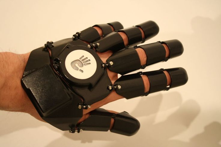 Glove One: The 3D Printed Smartphone Glove http://3dprint.com/39192/glove-one-smartphone/