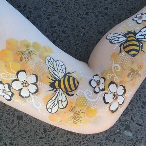 "Love this!  Jane Professional Face Painter (@rainbowrascals) on Instagram: ""Bee Body Art- #bee #bees #beesknees #bodyart #bodypainting #rainbowrascals #honeycomb #manuka…"""