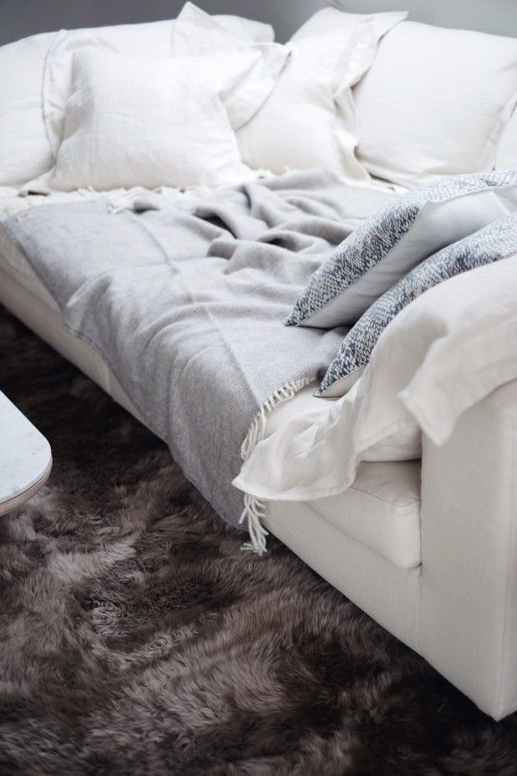 The perfect spot for a lazy Saturday. Found on nord-design-blogg.no